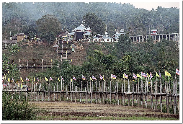 Su Tong Pae Bridge, Around Mae Hong Son